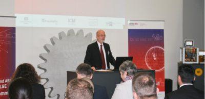 Prof. Egon Müller von der TU Chemnitz
