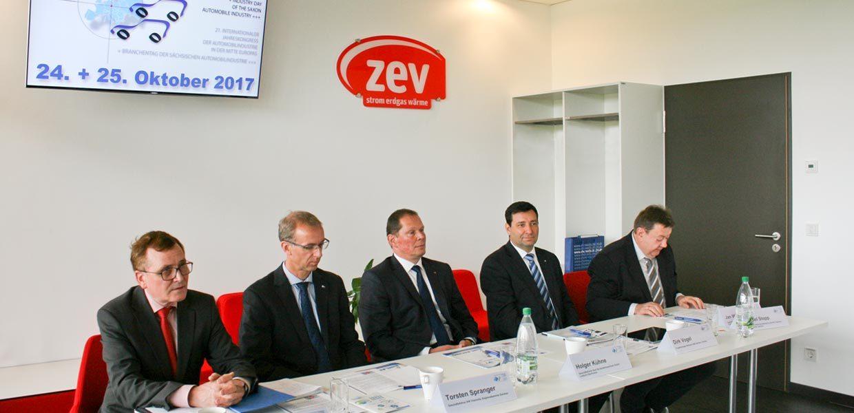Pressekonferenz vor dem 21. Jahreskongress der Automobilindustrie