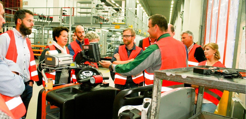 Kommissionieren mit Tablet sowie das Kombinieren von Scanner und Display an einer Datenhandschuhmanschette