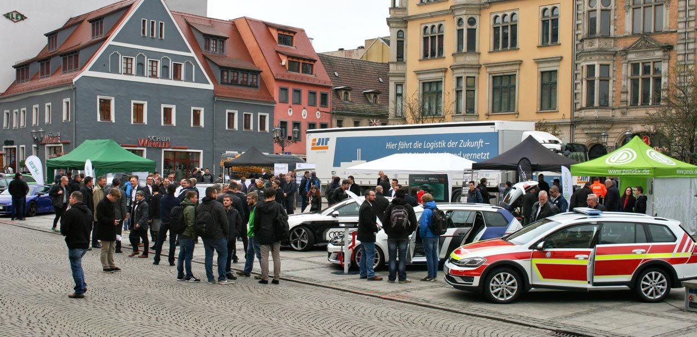 Eine Präsentation innovativer Fahrzeuge auf dem Zwickauer Hauptmarkt war Bestandteil des 1. Symposium Automotive & Mobility