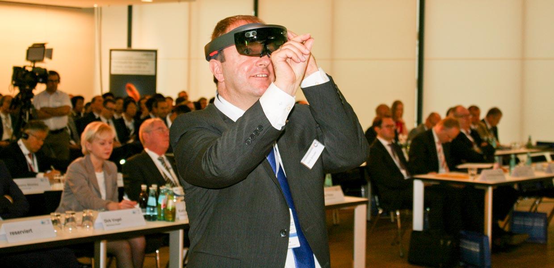Themen der Digitalisierung wie die Nutzung von Datenbrillen prägten die Vorträge des Kongresses