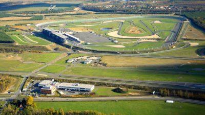 Blick auf das DEKRA Automobil Test Center und den Lausitzring in Klettwitz bei Dresden. Die Rennstrecke gehört seit 1. November 2017 ebenfalls zur DEKRA.