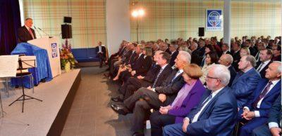 Der geschäftsführende Gesellschafter Prof. Dr. Hans J. Naumann konnte zum 25-jährigen Bestehen von NILES-SIMMONS in Chemnitz rund 200 Gäste aus Wirtschaft, Wissenschaft und Politik zu einem Festakt begrüßen.