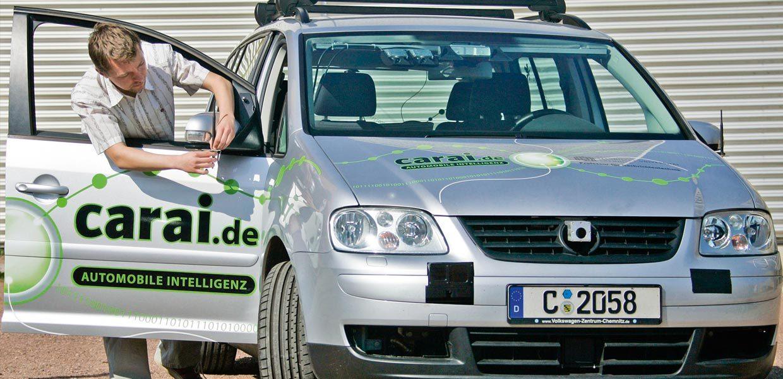 Konzeptfahrzeug Carai für Forschung der Car-2-X-Kommunikation