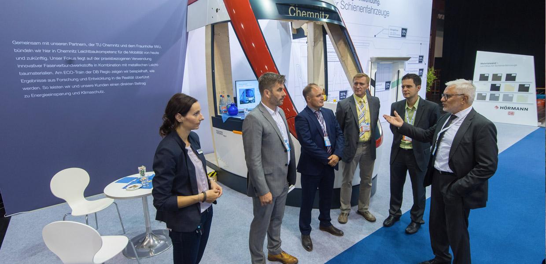 Textile Leichtbauanwendungen für Schienenfahrzeuge standen im Mittelpunkt des Messeauftritts von Hörmann Engineering und der DB Regio Netz.