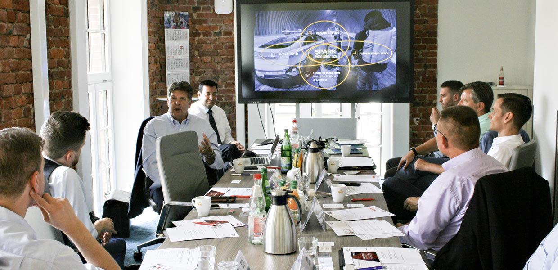 Zukunftsmarkt hochautomatisiertes Fahren: Paul Krutko vom Technologie- und Wirtschaftsinkubator Ann Arbor SPARK stellte zum TADA-Kick-off in Chemnitz u.a. die Testfelder für automatisiertes Fahren in Michigan/USA vor.