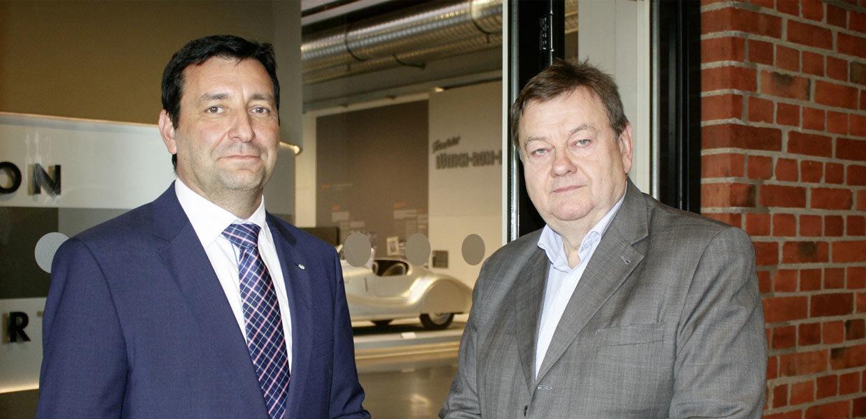 22. Internationaler Jahreskongress der Automobilindustrie: ein Interview mit Michael Stopp (r.) und Dirk Vogel.