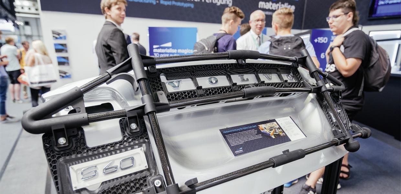 Neben Medizintechnik und Luftfahrtindustrie erschließt der Automobilbau zunehmend additive Potenziale, wie auf der 15. Rapid.Tech + FabCon 3.D in Erfurt deutlich wurde.