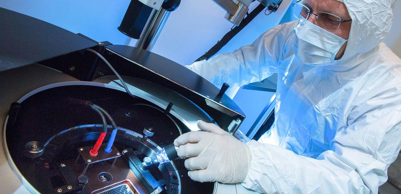 Partner in Sachen Leistungselektronik – Sächsische Industrie- und Forschungspartner bündeln ihre Kompetenzen für zukunftsträchtige Anwendungen von Galliumarsenid-Hochleistungshalbleitern in einem neuen Innovationsforum. Leadunternehmen ist die 3-5 Power Electronics Dresden GmbH, ein führender Forschungspartner die TU Chemnitz.