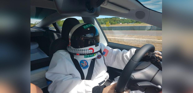 Mit dem Maskottchen Spacy wurde dem Autopiloten ein menschlicher Fahrer vorgetäuscht.