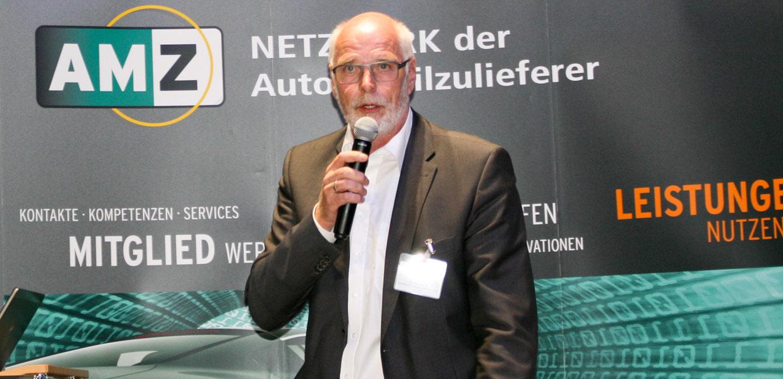 Ralph Hoyer, Geschäftsführer der Schnellecke Logistics Sachsen GmbH, zeigte auf, welche personelle Herausforderungen der Logistikdienstleister im Zuge des Umbaus bei VW Sachsen zu meistern hat.