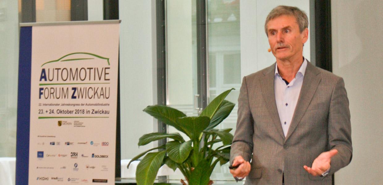 Als alternativlos stellte Prof. Dr. Ferdinand Dudenhöffer, Direktor des CAR-Centers Automotive Research der Universität Duisburg-Essen, die E-Mobilität dar. Den Wirkungsgrad eines Verbrennungsmotors von 40 auf 41 Prozent zu verbessern, lohne nicht.