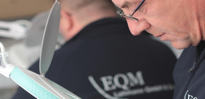 Mit Leistungen im Qualitätsmanagement unterstützt EQM Lehmann die Automobilindustrie.