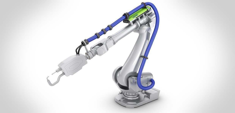Leoni stattet Roboter im VW-Werk Zwickau für die E-Auto-Fertigung mit einer innovativen Schlauchpaketlösung aus.