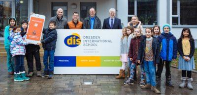 Startschuss für Pilotprojekt in Dresden: Das französische Startup Zouzoucar hat seine neue Mitfahr-App an der Dresden International School präsentiert.