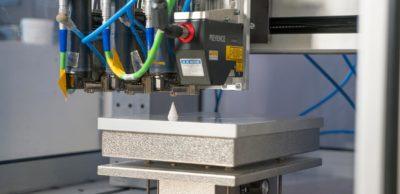 """Im Projekt """"AddiLine"""" entsteht ein prozessintegriertes Prüfsystem, das die Qualität der 3D-gedruckten Komponente beim Entstehen in Echtzeit überwacht."""