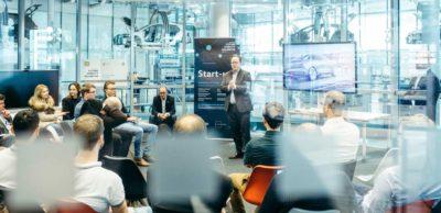 """Ab sofort können sich Start-ups wieder um einen Platz im Gründungsprogramm """"Future Mobility Incubator"""" von VW in Dresden bewerben."""