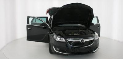 Fahrzeug im Twinner-Space, automatische Fotobox und Messraum zugleich.