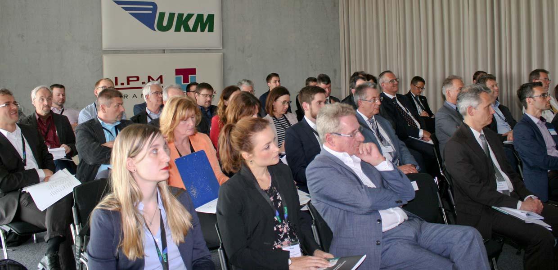 Rund 40 Teilnehmer informierten sich zur ersten von sechs AMZ-Roadshows.