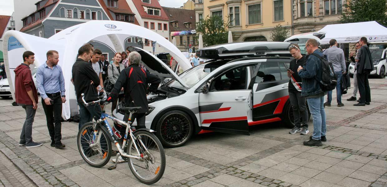 Wie 2018 wird es auch zum 3. Symposium Automotive & Mobility am 20. Juni 2019 eine Erlebnisausstellung auf dem Zwickauer Hauptmarkt geben.
