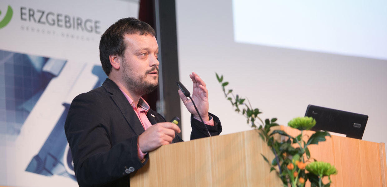 Jan Kammerl, Geschäftsbereichsleiter Wirtschaftsservice, kennt den Standort und sensibilisiert in der Region für branchenübergreifende Netzwerkarbeit.