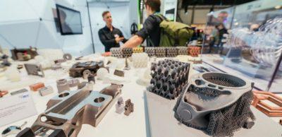Zur 16. Rapid.Tech + FabCon 3.D präsentieren rund 200 Aussteller Neuheiten des industriellen und kreativen 3D-Drucks.