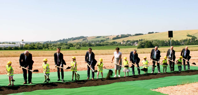 Feierlicher Spatenstich für das neue Rohbau-Werk von Meleghy in Reinsdorf.