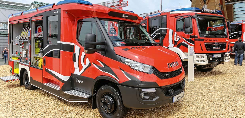 Basaltfaserverstärkte Exterieur- und Interieur-Verkleidungsteile für ein Feuerwehrfahrzeug von Alpha Sigma.