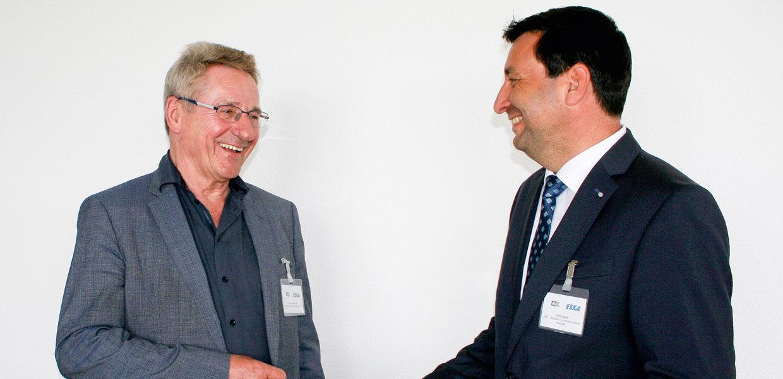Im Interview: Prof. Dr. Werner Olle (l.), Direktoriumsmitglied des Chemnitz Automotive Institute CATI, und Dirk Vogel, AMZ-Netzwerkmanager, sehen deutlich mehr Chancen als Risiken für die sächsischen Zulieferer beim Transformationsprozess in der Branche