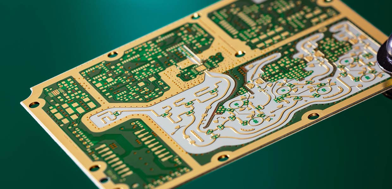 KSG zählt zu den führenden Herstellern von Hochfrequenzschaltungen, die u.a. in der Automobilindustrie gebraucht werden.