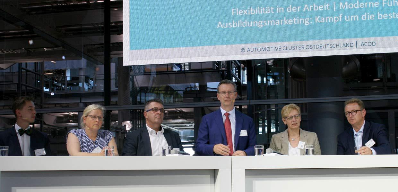 Podiumsdiskussion auf dem ACOD-Kongress 2019 zur Rolle des Menschen in der zukünftigen Arbeitswelt.
