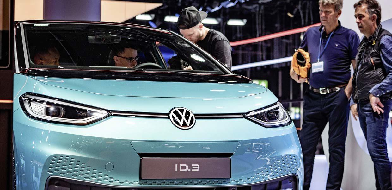 Mit dem auf der IAA 2019 präsentierten ID.3 beginnt für Volkswagen das Zeitalter der Elektromobilität. Produziert wird das Fahrzeug bei der Volkswagen Sachsen GmbH in Zwickau. Für das Werk, die Zulieferer und Dienstleister sowie für die gesamte Region Westsachsen hängt viel ab vom Erfolg der E-Fahrzeuge.