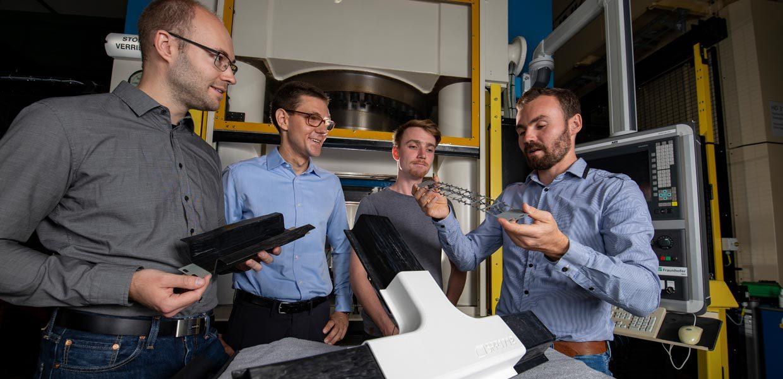 Chemnitzer Forscher entwickelten einen intrinsischen Hybridverbund, der sich ressourceneffizient in nur einem Prozessschritt fertigen lässt.