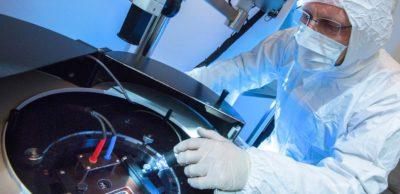 3-5 Power Electronics veredelt in Dresden in einem neuartigen Prozess GaAs-Wafer zu Hochleistungshalbleitern und hat dafür umfangreiches Mess- und Prüfequipment aufgebaut. Dieser Laborbereich wird nochmals erweitert.