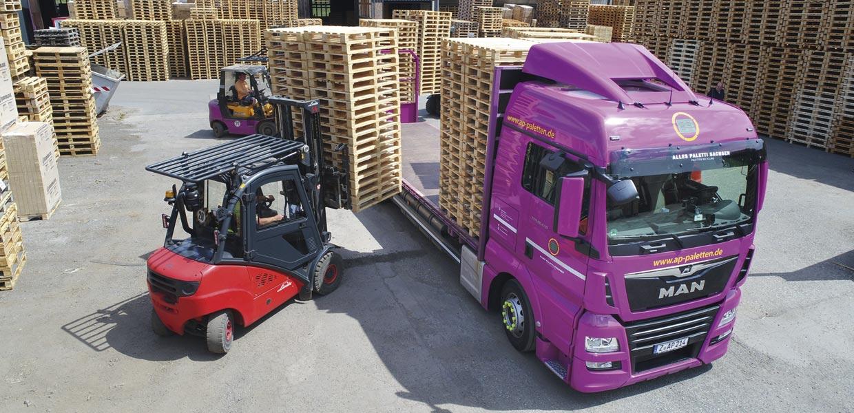 Kreislaufwirtschaft mit Holzpaletten bietet die A. P. Paletten-Recycling GmbH.