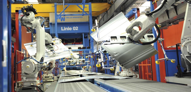 Mit vielen Aktivitäten die Durststrecke überwinden. Blick ins Presswerk bei MA Automotive in Treuen.