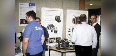 Mit ihren mobilen 5-Achs-Bearbeitungslösungen präsentierte sich die Metrom Mechatronische Maschinen sowohl im Vortragsprogramm als auch in der Begleitausstellung zum 5. Sächsischen Tag der Automation. Organisiert wurde die Veranstaltung vom Industriearbeitskreis Automation von VEMAS, dem Innovationsverbund Maschinenbau Sachsen.