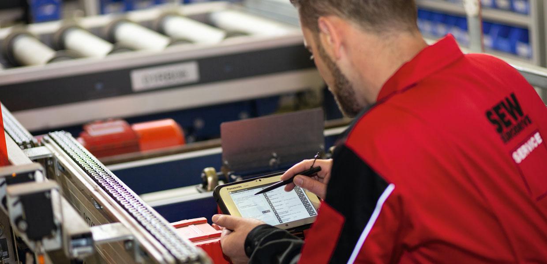 SEW-EURODRIVE bietet auch ein umfassendes Service- und Dienstleistungsportfolio entlang des kompletten Anlagenlebenszyklus.