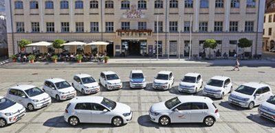 Kooperation Nachhaltige Mobilität – Zwickau hat schon 2017 damit begonnen, den städtischen Fuhrpark schrittweise auf E-Fahrzeuge umzustellen. Heute nutzen die Mitarbeiter von Ordnungs-, Kultur-, Bauordnungsamt sowie weiterer Bereiche bereits 13 E-Fahrzeuge.