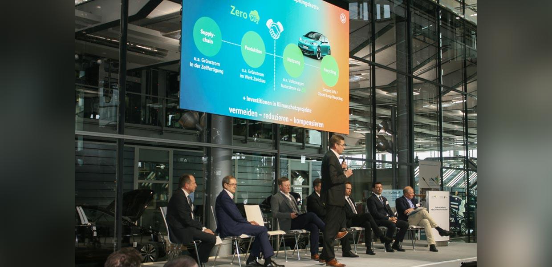 Der Aufbau einer CO2-neutralen Produktion ist eine Forderung an alle Akteure der automobilen Wertschöpfungskette, wie Reinhard de Vries, Geschäftsführer Technik und Logistik bei Volkswagen Sachsen, erläuterte.