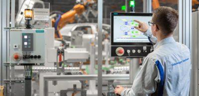 Siemens-Technik uns ein gemeinsam mit Volkswagen entwickelter Standard für die Produktion der kommenden E-Car-Generation.