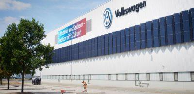 Automobilhersteller stoppen Produktion: Volkswagen stoppt für voraussichtlich zwei Wochen die Produktion an vielen europäischen Standorten, so auch in den sächsischen Werken Chemnitz, Dresden und Zwickau (Foto).