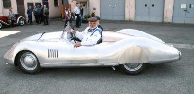 Es ist vollbracht: Nachdem er 80 Jahre lang nur als Zeichnung existierte, hat Frieder Bach mit Partnern den Spezial-Sportwagen auf Basis des DKW F9 Realität werden lassen.
