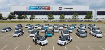 Mitarbeiter testen ID.3 auf Alltagstauglichkeit. Am VW-Werk Zwickau wurden die ersten ID.3 an die Testfahrer aus den eigenen Reihen übergeben.