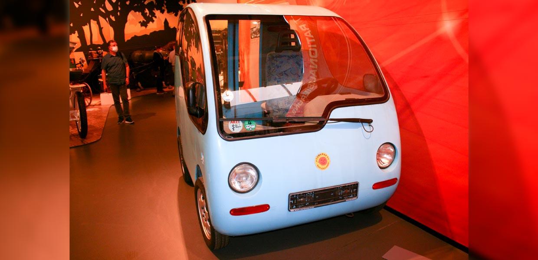 Elektromobil Konzeptfahrzeug SAXI.