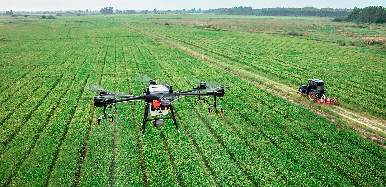 Multicopter werden heute bereits in der Landwirtschaft eingesetzt. Die Entwicklung von gewerblichen Drohnen und Flugtaxis sowie weiteren Neuheiten für die Mobilität in der Luft soll das Kompetenzzentrum autonomes und elektrisches Fliegen befördern, das auf dem Verkehrslandeplatz Kamenz entsteht.