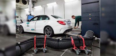 Das Abgaslabor im Dekra Technology Center am Lausitzring wurde umfassend modernisiert. Auf dem Bild ein Prüffeld für verbrennungsmotorische Fahrzeuge.