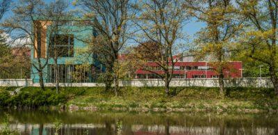 Die Hochschule Zittau/Görlitz – das Foto zeigt den Campus Görlitz – und das Fraunhofer-Kunststoffzentrum Oberlausitz laden am 4. Februar 2021 zur 1. Zittauer Kunststoff- und Leichtbautagung ein. Pandemiebedingt wird die Veranstaltung virtuell ausgetragen.
