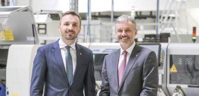Lutz Berger (r.) hat digades 1991 mit Partnern gegründet und zu einem inhabergeführten Familienunternehmen mit mehreren deutschen Standorten gestaltet. 2018 ist Sohn Dr.-Ing. Sascha Berger mit in die Geschäftsführung eingestiegen.
