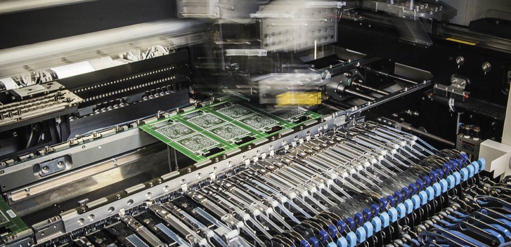 on einer entwicklungsbegleitenden Musterherstellung bis zur vollautomatischen Großserienproduktion bietet digades flexible maßgeschneiderte Fertigungskonzepte an.